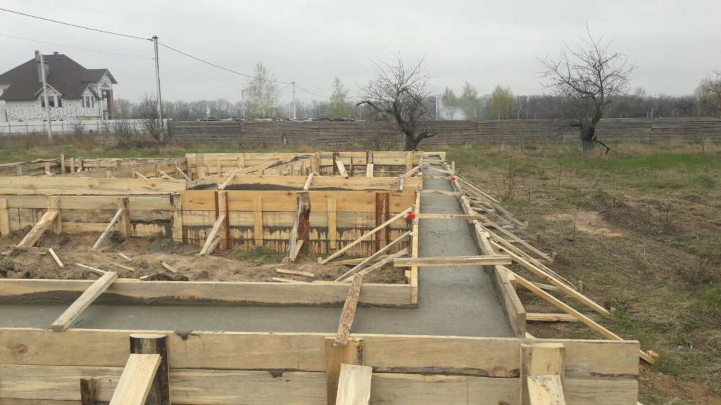Строительство фундамента под СИП панельный дом общей площадью 191 м2 - фото 1