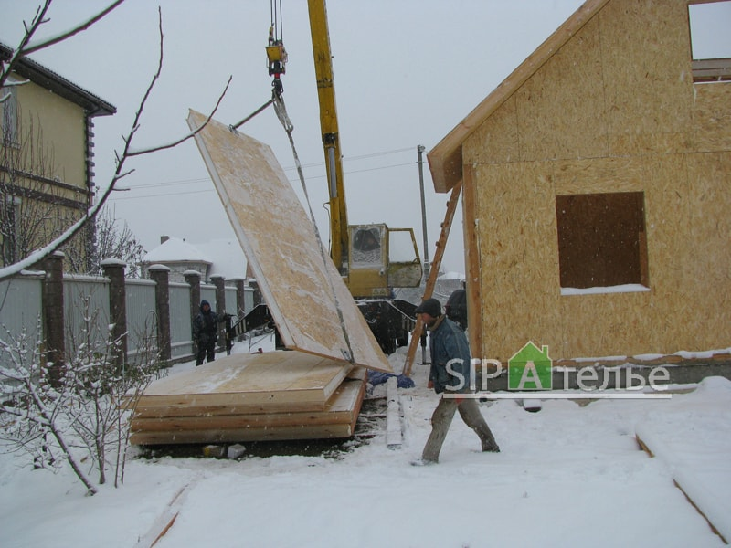 Крупноузловая сборка дома из сип панелей - фото 1