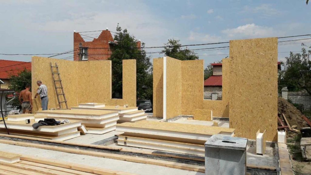 Монтаж дома из сип панелей с зимним садом на крыше - фото 4