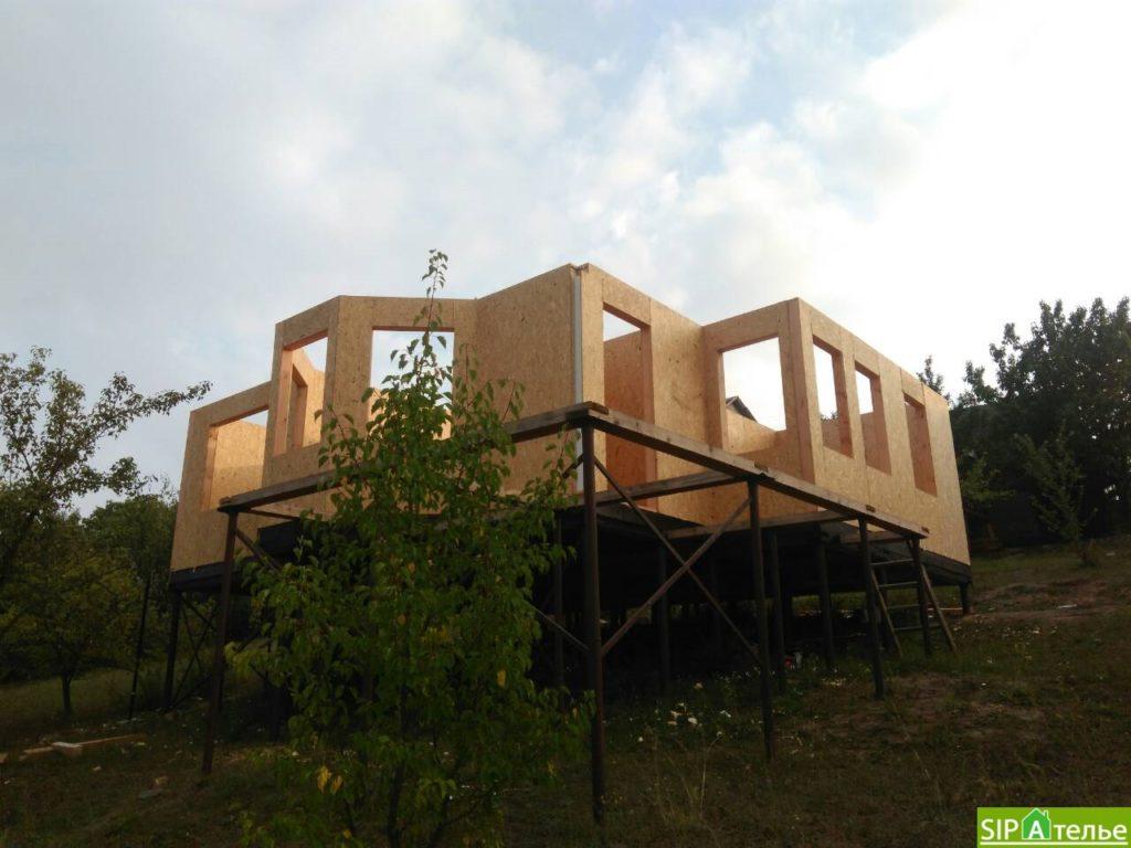 Монтаж домокомплекта двухжтажного дома с террасой из сип панелей - фото 13