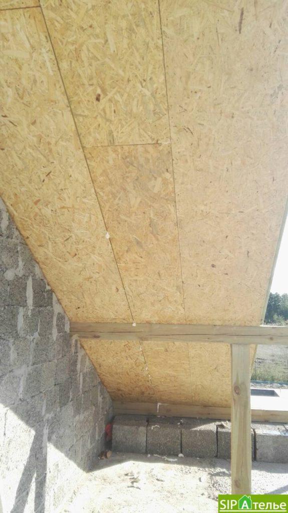 Монтаж крыши из СИП панелей краном - фото 6