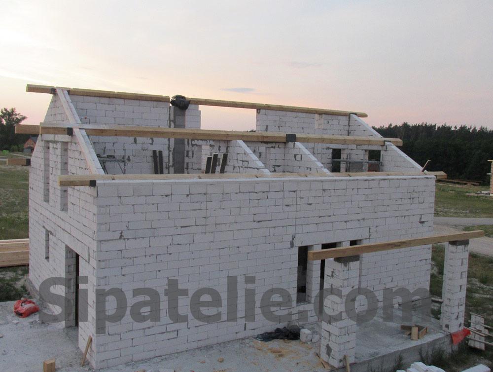Монтаж крыши из СИП/SIP панелей на доме из газобетона - фото 4