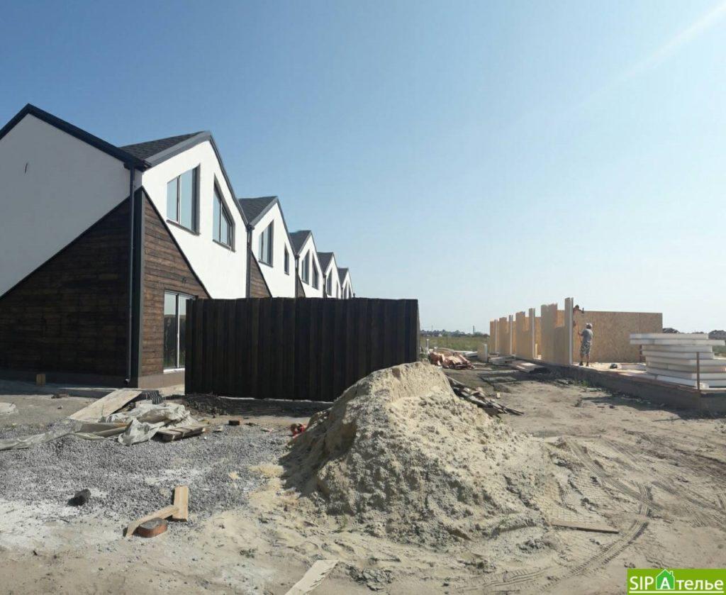 Монтаж крыши из СИП панелей краном - фото 10